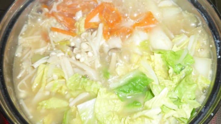 とり 野菜 みそ 鍋 スープ