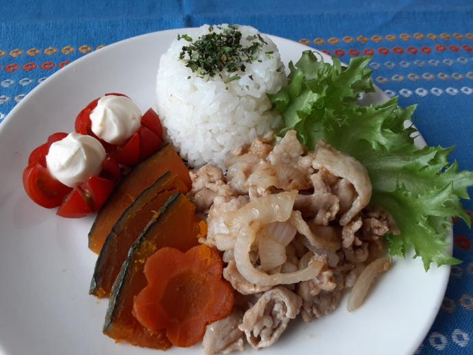 焼肉×野菜の煮物プレート